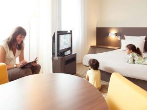 Улучшенный люкс с 1 двуспальной кроватью и 1 односпальной кроватью
