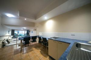 Sunlit Waters Studio Apartments, Aparthotely  Airlie Beach - big - 8