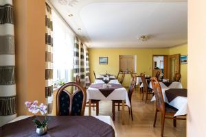 Hotel Adler, Szállodák  Wismar - big - 13