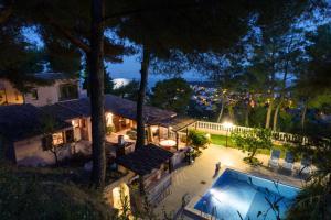 Romantic Villa near Monaco, Ville  Roquebrune-Cap-Martin - big - 1