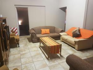 Family Room (5 Adults)