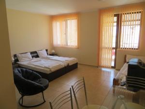 Apollon Apartments, Апартаменты  Несебр - big - 48