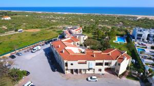 Praia da Lota Resort – Hotel (Ex- turoasis), Hotely  Manta Rota - big - 1