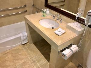 特大号床间 - 带浴缸 - 带无障碍设施/禁烟