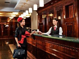 Отель Menorah hotel