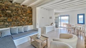 Mykonos Panormos Villas & Suites, Ville  Panormos Mykonos - big - 92