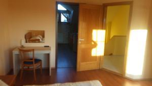 Ciklámen apartman, Apartmány  Gyenesdiás - big - 17