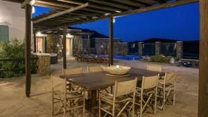 Mykonos Panormos Villas & Suites, Ville  Panormos Mykonos - big - 96
