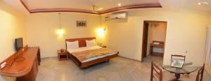 Hotel Raya's Annexe-1, Лоджи  Кумбаконам - big - 1