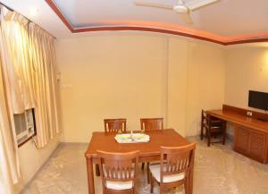 Hotel Raya's Annexe-1, Лоджи  Кумбаконам - big - 2