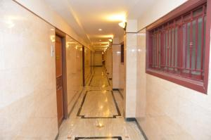 Hotel Raya's Annexe-1, Лоджи  Кумбаконам - big - 11