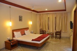 Hotel Raya's Annexe-1, Лоджи  Кумбаконам - big - 3