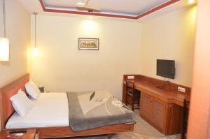 Hotel Raya's Annexe-1, Chaty  Kumbakonam - big - 8