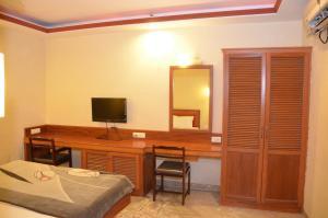 Hotel Raya's Annexe-1, Лоджи  Кумбаконам - big - 4