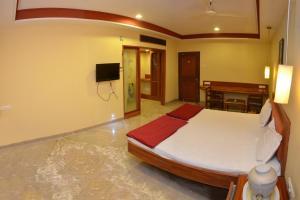 Hotel Raya's Annexe-1, Лоджи  Кумбаконам - big - 5
