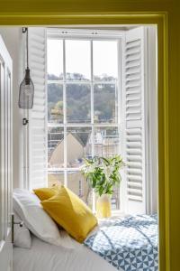 Dream Stays Bath - Beau Street