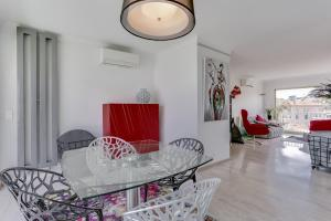 Wonderful fully renovated 2BR on the last floor., Апартаменты  Канны - big - 16