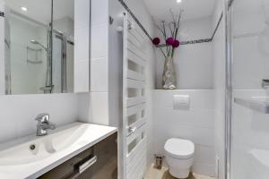 Wonderful fully renovated 2BR on the last floor., Апартаменты  Канны - big - 5