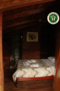 Deluxe Room (2 Adults + 1 Child)
