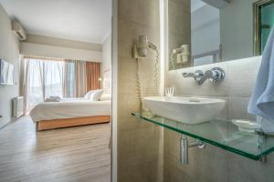 Phoenix Hotel, Hotely  Zakynthos Town - big - 22