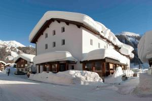 Hotel Furka, Hostince  Oberwald - big - 54