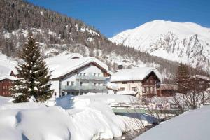 Hotel Furka, Hostince  Oberwald - big - 61