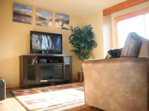 Montana Style Downtown Condo, Apartments  Whitefish - big - 6