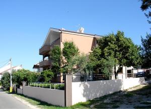 Haus Tara 409S, Ferienwohnungen  Maslenica - big - 1