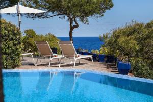 Sea Front Villa with access Mallorca 6 pers