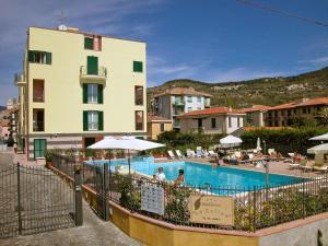 Locazione turistica Le Saline.5, Apartments  Borgio Verezzi - big - 10