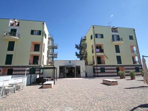 Locazione turistica Le Saline.5, Apartments  Borgio Verezzi - big - 2