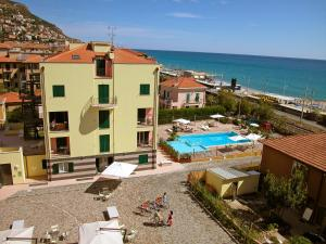 Locazione turistica Le Saline.5, Apartments  Borgio Verezzi - big - 6