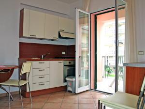 Locazione turistica Le Saline.5, Apartments  Borgio Verezzi - big - 3