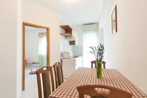 Villa Rok 233S, Apartmány  Banjole - big - 9