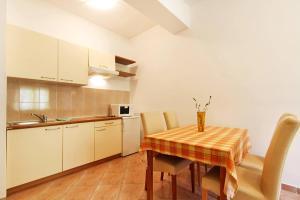 Villa Rok 230S, Apartmány  Banjole - big - 8