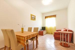 Villa Rok 230S, Apartmány  Banjole - big - 9