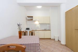Villa Rok 230S, Apartmány  Banjole - big - 12