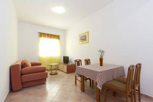 Villa Rok 230S, Apartmány  Banjole - big - 13