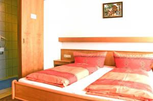 Ferienwohnung Kappl 359W, Apartments  Kappl - big - 2