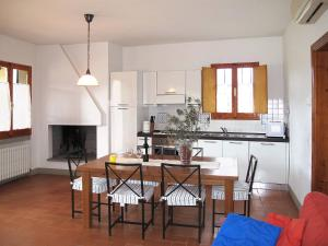 Le Coste 151S, Prázdninové domy  Troghi - big - 5