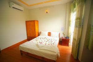 Hoa Nang Mai Hotel