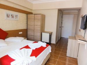 Altinersan Hotel, Hotely  Didim - big - 71
