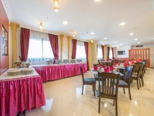 Al Farej Hotel, Hotely  Dubaj - big - 25