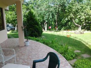 Sunny Day Vacation Home, Holiday homes  St. St. Constantine and Helena - big - 10