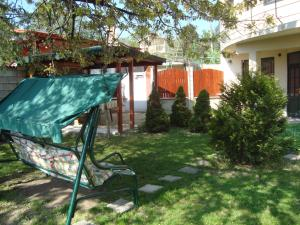 Sunny Day Vacation Home, Holiday homes  St. St. Constantine and Helena - big - 8