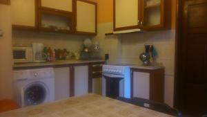 Sunny Day Vacation Home, Holiday homes  St. St. Constantine and Helena - big - 5