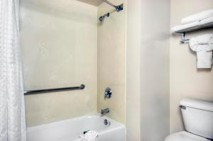 University Park Inn & Suites, Hotels  Davis - big - 2