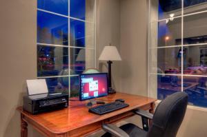 University Park Inn & Suites, Hotels  Davis - big - 16