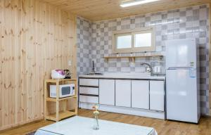 Goseong 2119, Holiday homes  Seogwipo - big - 9