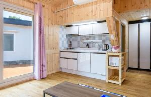 Goseong 2119, Holiday homes  Seogwipo - big - 24
